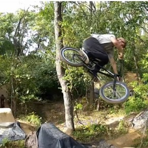 "Can You Dig It BMX Exclusive | Quick Hits ""Big Foot"""
